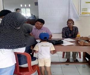 Tuntaskan Program e-KTP Disdukcapil Jemput Bola ke Desa-Desa